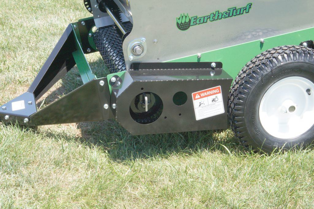 multispread 65pt topdresser front left earth and turf closeup front left copy